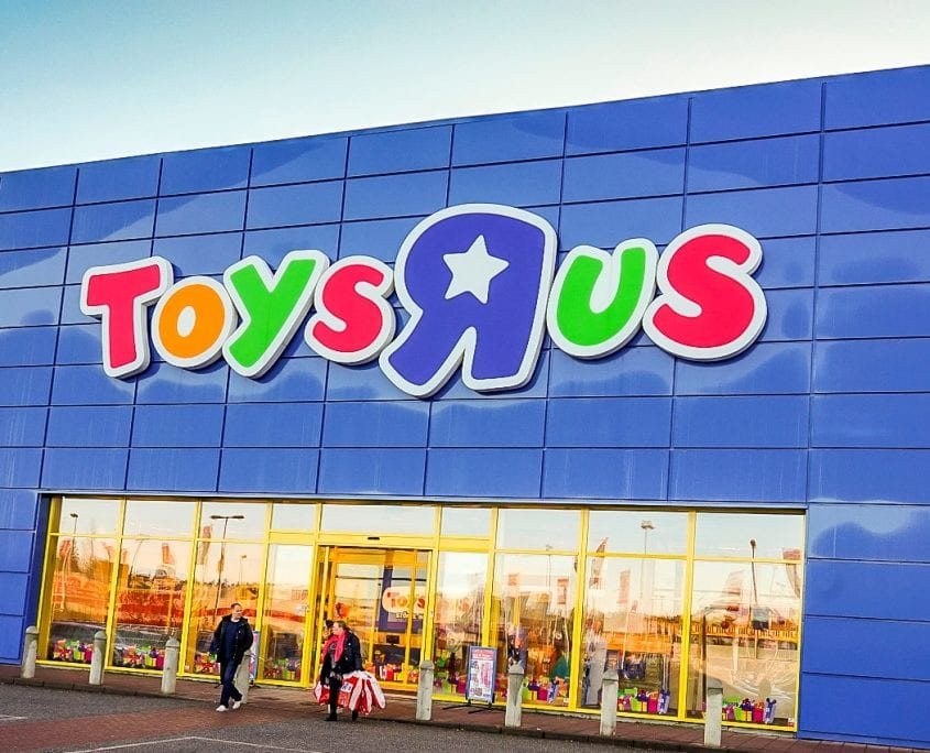 "key success factors for toy r us Toys r us says it plans to try to reinvigorate its stores by making them into more of a hangout: it wants to hold more in-store events for the community, and it wants to present more ""shop-in."