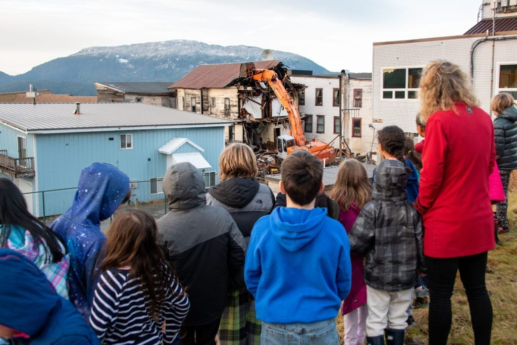 Mt. Eccles students watch as the Cordova Hotel and Bar is demolished. (Dec. 3, 2019) Photo by Zachary Snowdon Smith/The Cordova Times