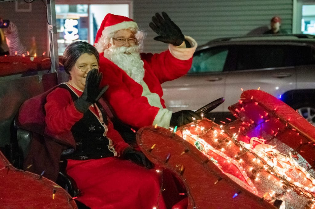 Santa and Mrs. Claus arrive at the Cordova Center. (Dec. 6, 2019) Photo by Zachary Snowdon Smith/The Cordova Times